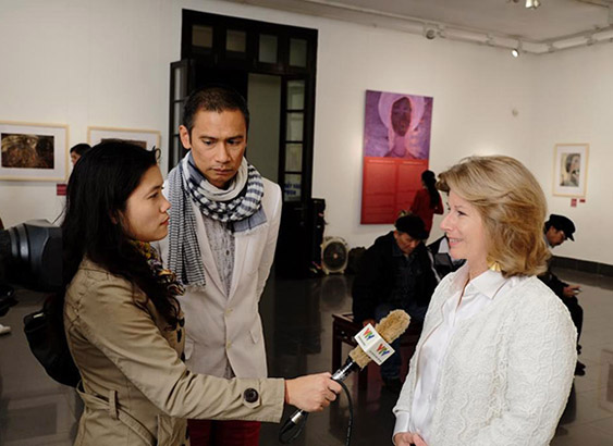 4-News-Sherry Buchanan Interviewed by VTV 18 October 2013